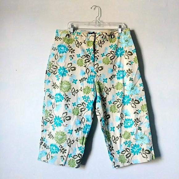 40064c777fe78c Basic Editions Pants | Floral Capri Size 16 Womens | Poshmark